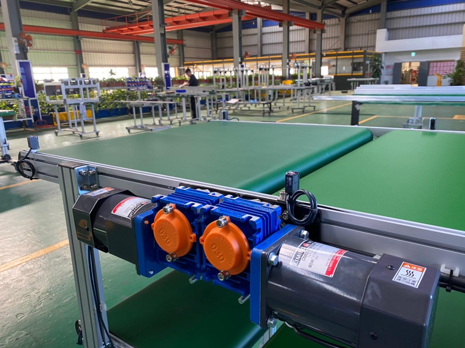 Double-layer segmented belt flat conveyor -Lichen Conveyor Equipment Co., Ltd.