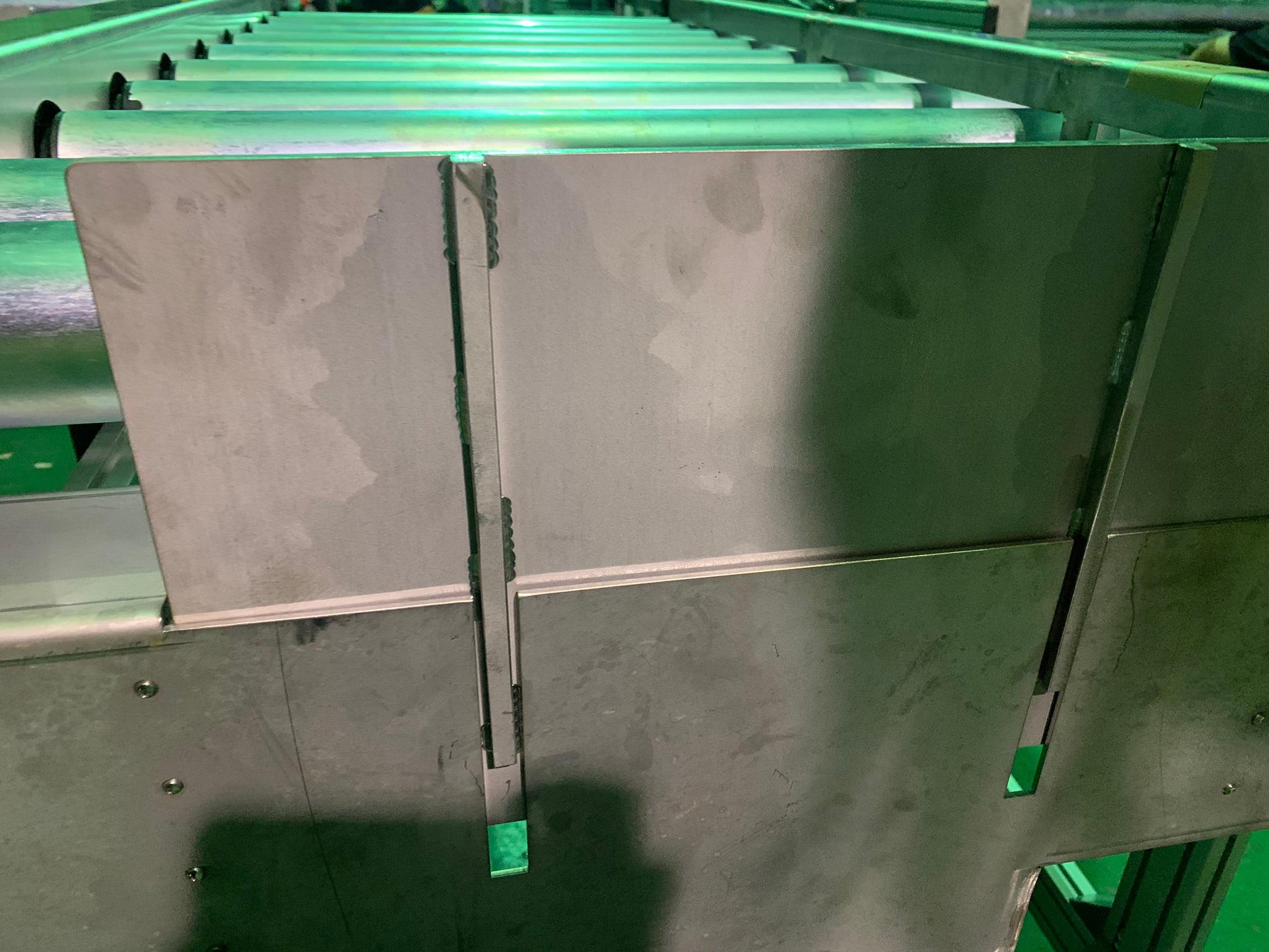 Folding power roller conveyor-Lichen Conveyor Equipment Co., Ltd.