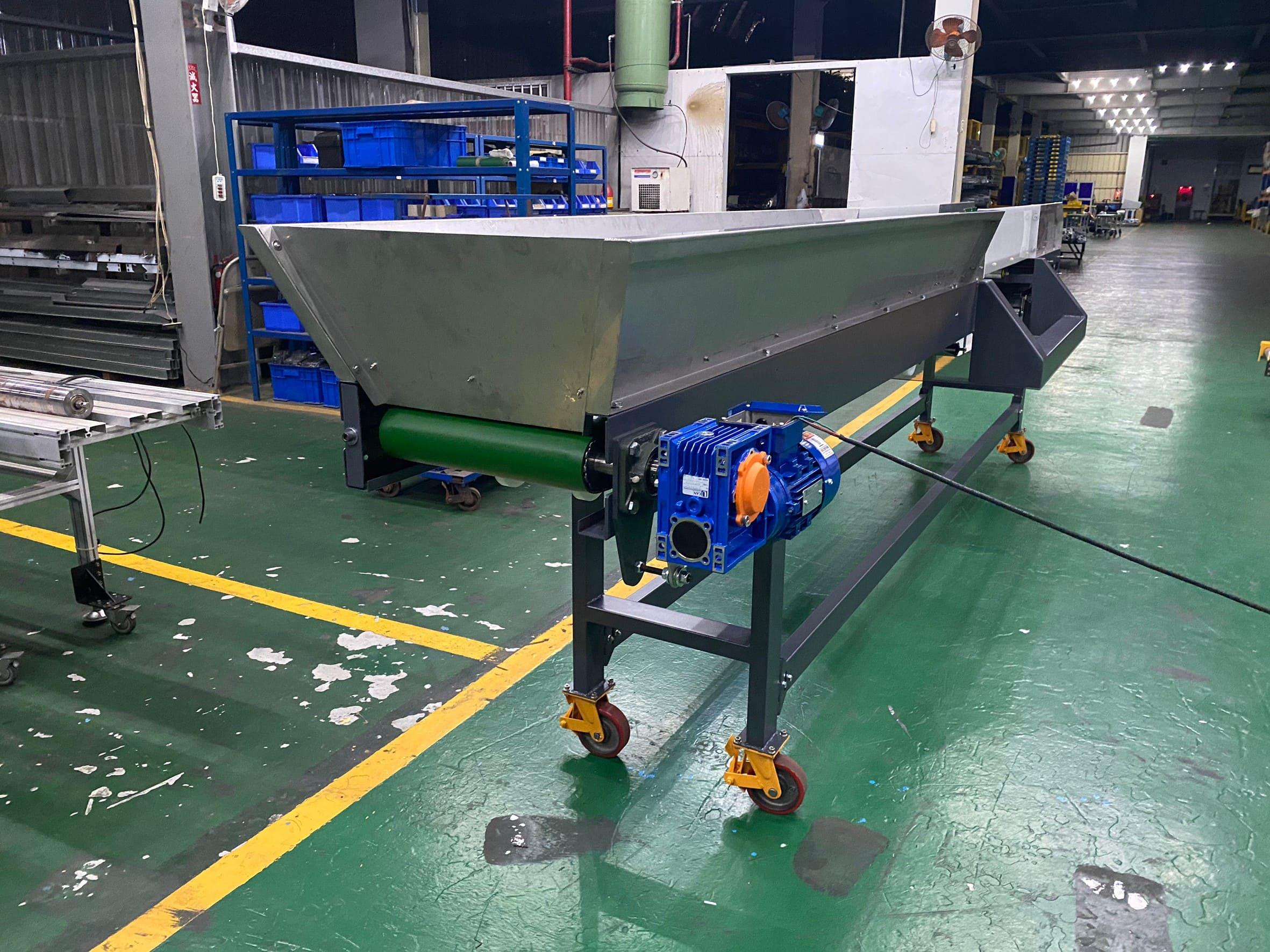 Steel plate type gold inspection belt plane conveyor-Lichen Conveyor Automatic Equipment Co., Ltd.