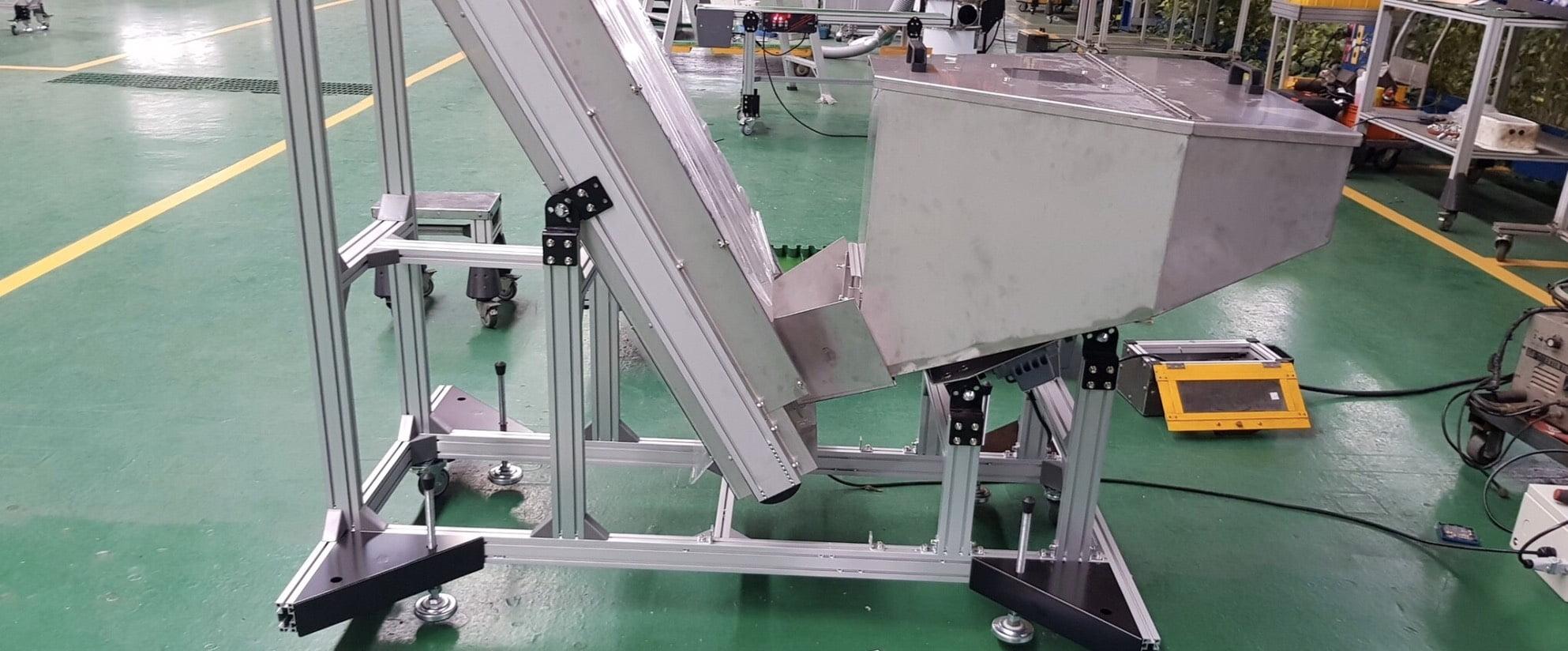 Aluminum extrusion hopper belt conveyor -Lichen Conveyor Automatic Equipment Co., Ltd.