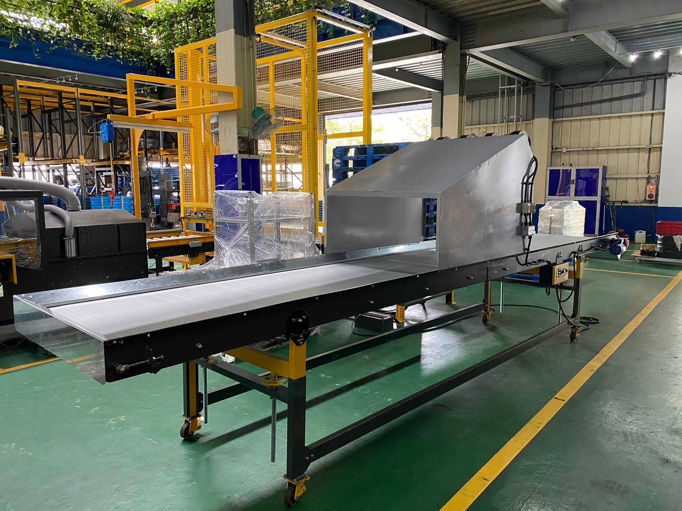 Steel plate type aluminum plate crawler plane conveyor - Lichen conveyor automation equipment company
