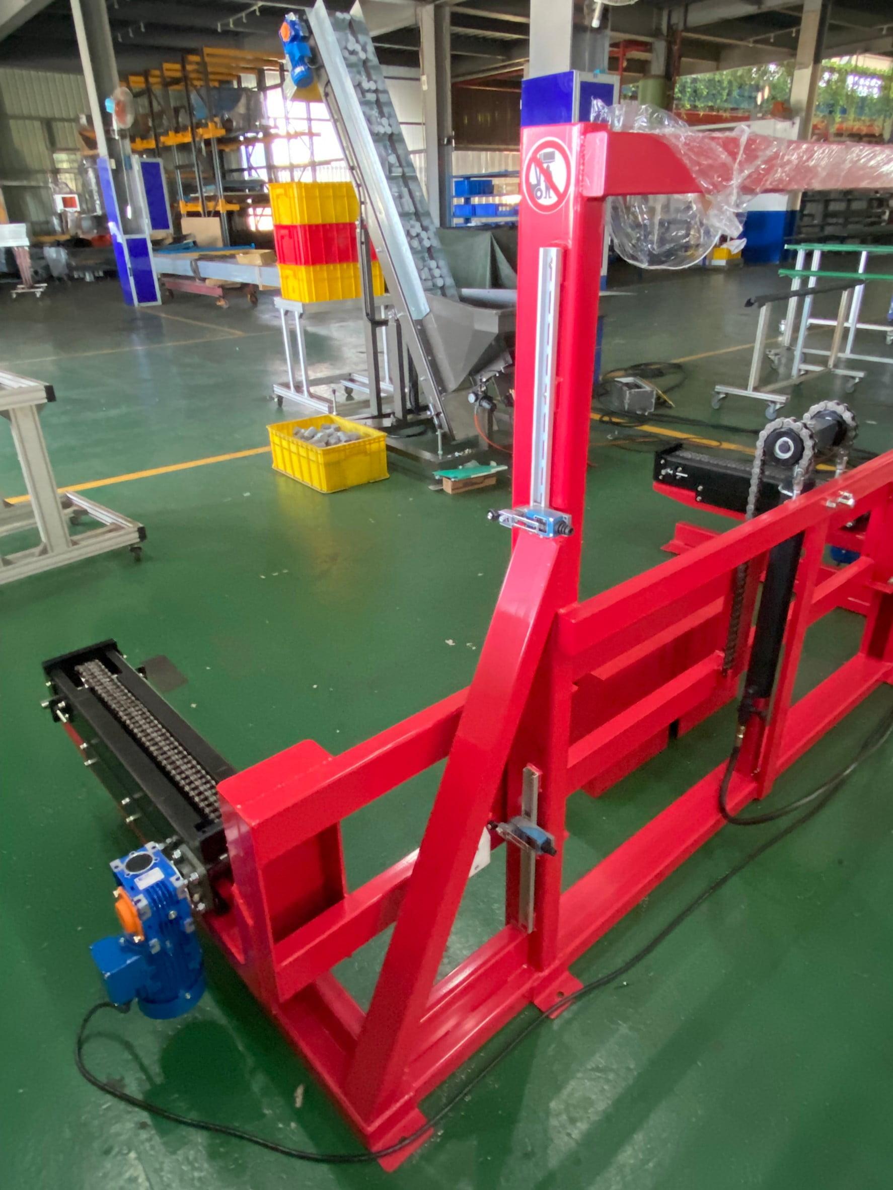 Chain-type elevator conveyor -Lichen Conveyor Automatic Equipment Co., Ltd.