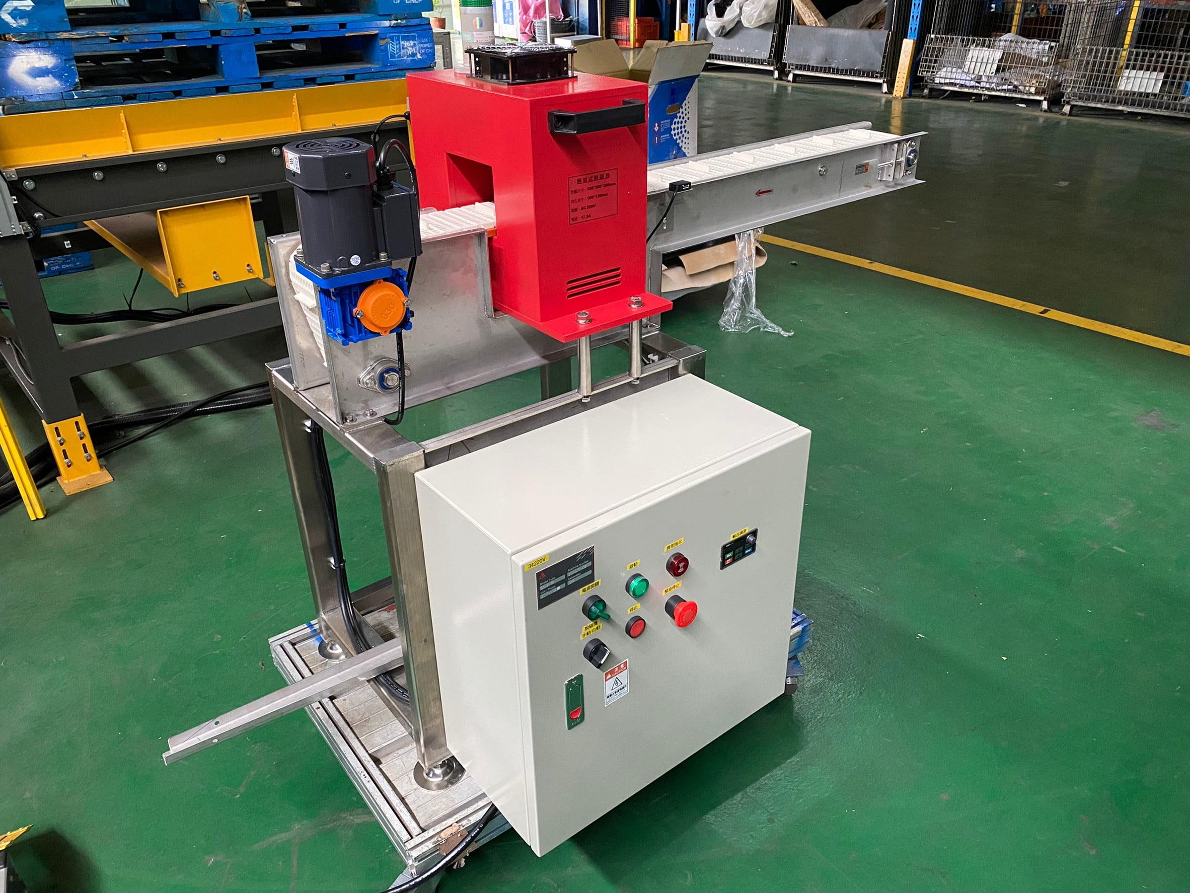Plastic mesh belt flat conveyor- Lichen Conveyor Automatic Equipment Co., Ltd.